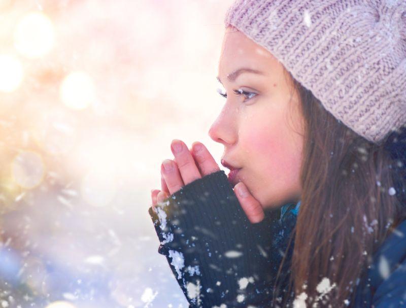 Chraňte se před sluncem - i v zimě může uškodit.