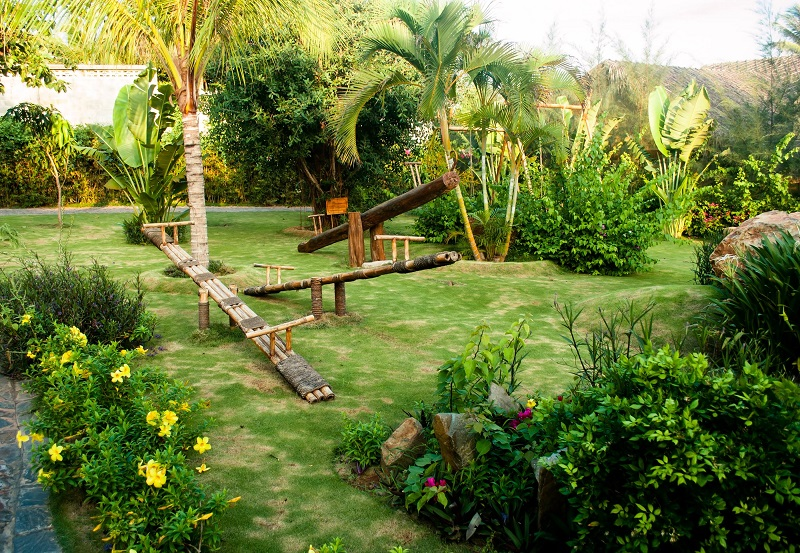Zahrada a hřiště