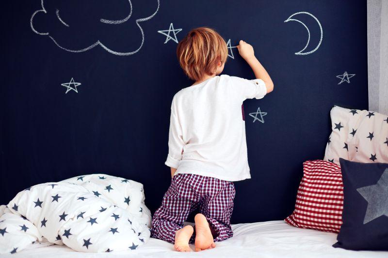 Tabulová barva na stěnu v dětském pokoji