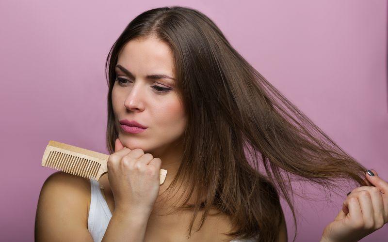 Dřevěný hřeben na vlasy