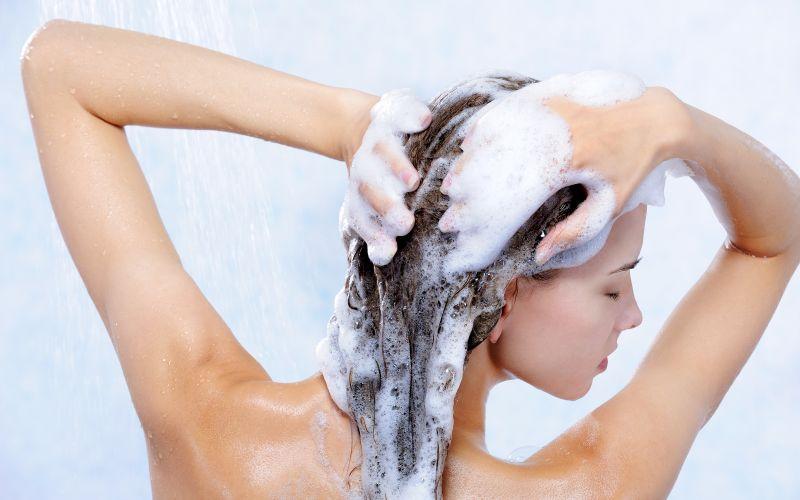 Šamponování vlasů