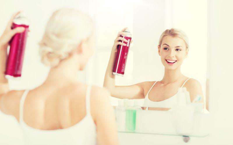 Použití suchého šamponu